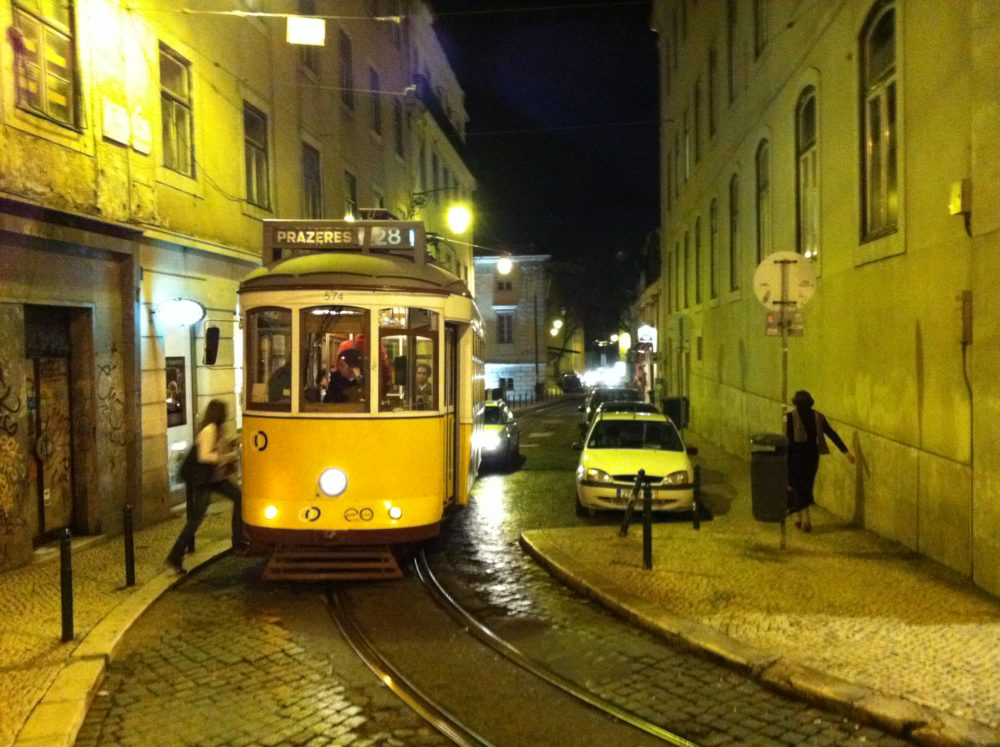 Tramvia lisboeta de la famosa linia 28. Fotografia (c) Històries d'Europa