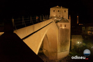 El pont antic (stari most) de Mostar, restaurat l'any 2004.