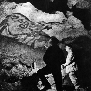 Henri Breuil a la cova de Lascaux.