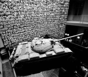 El museu (inaugurat el 2002) ens proposa una passejada primer per la història del govern del Partit de la Creu Fletxada i després pel posterior sistema de control social implantat pel comunisme a Hongria. Foto: brent flanders