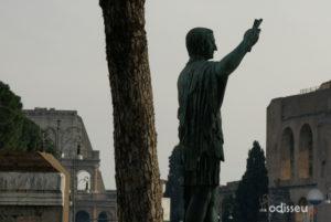 Estàtua de Juli Cèsar (Roma, Itàlia).
