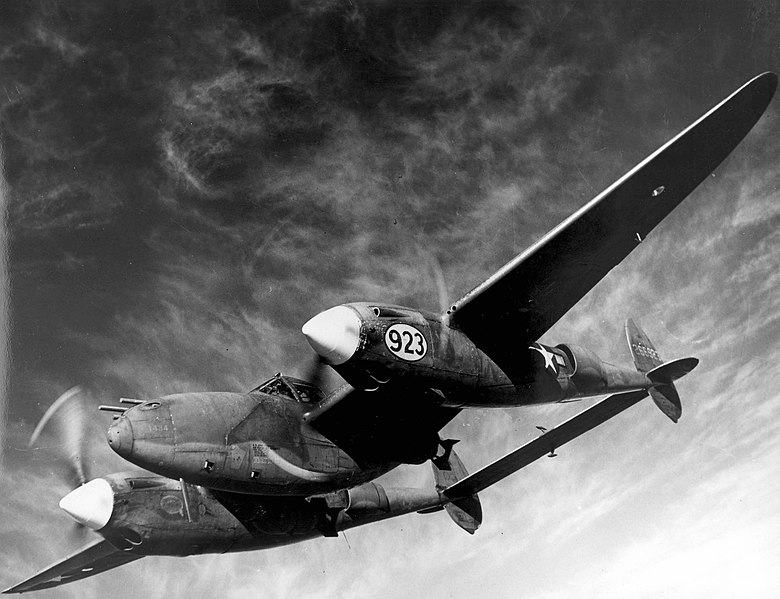 Lockheed P-38 el 1944 (US Air Force, Public Domain)