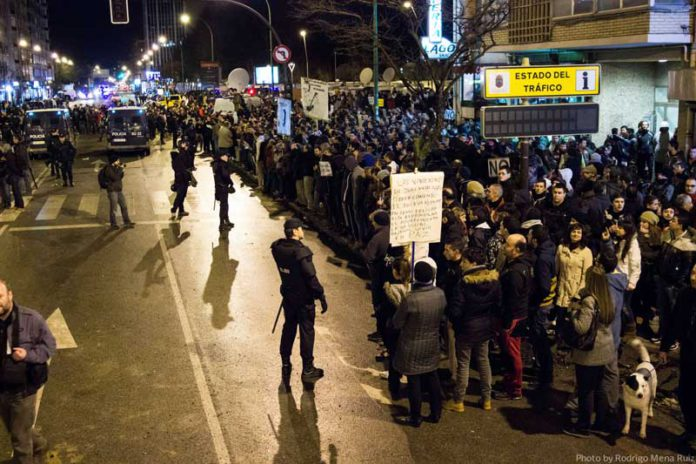Les protestes del barri de Gamonal de Burgos el 2014 contra l'especulació urbanística. Foto: Wikipedia Commons